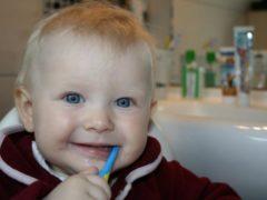 Всё об уходе за детскими зубками