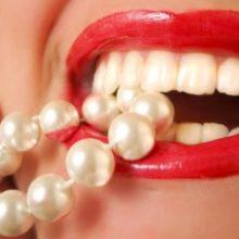 Как отбелить зубы перекисью водорода в домашних условиях