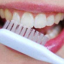 Как в домашних условиях отбелить зубы содой без вреда для эмали?