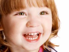 Что делать, если заметили белые пятна на зубах у ребенка?