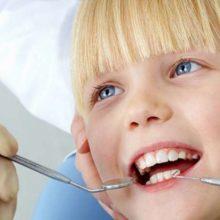 Налет на зубах у детей: надо ли избавляться?